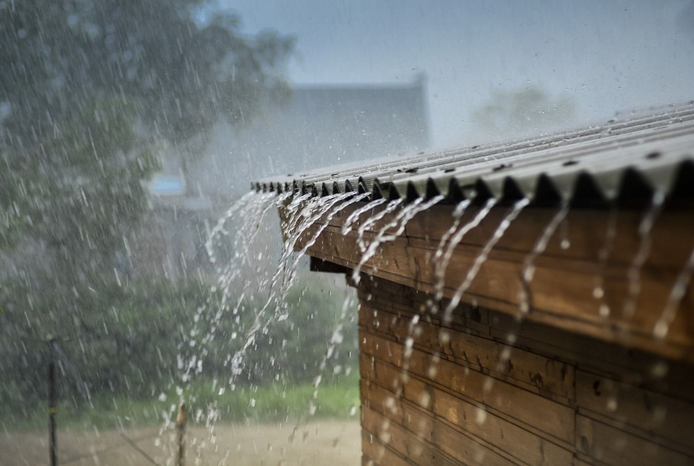 Why You Should Weatherproof Your Home with Water Proofing Liquid